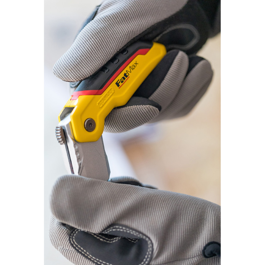Stanley 0-10-825 FatMax® Retractable Folding Utility Knife 0-10-825    Cromwell Tools